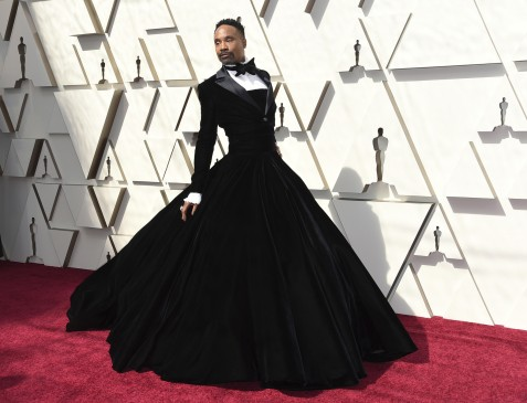 ct-ent-billy-porter-tuxedo-dress-oscars-20190225