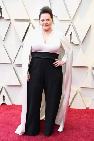Melissa-McCarthy-Pantsuit-2019-Oscars