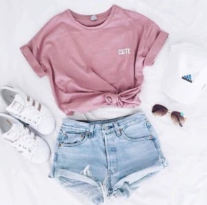 n6mbhk-l-610x610-shirt-t+shirt-pink-cute-adidas+superstars-adidas-cap-outfit-summer-pink+t+shirt-pink-crop+tops-instagram-shorts-pastel+pink-hat--shoes-adidas+shoes-causal+shoes-sneakers-running-ru
