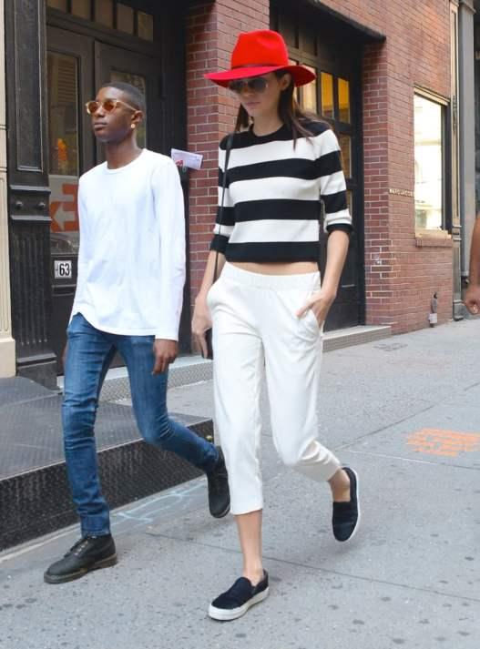 She-Looks-Good-Black-White-Loves-Pop-Color