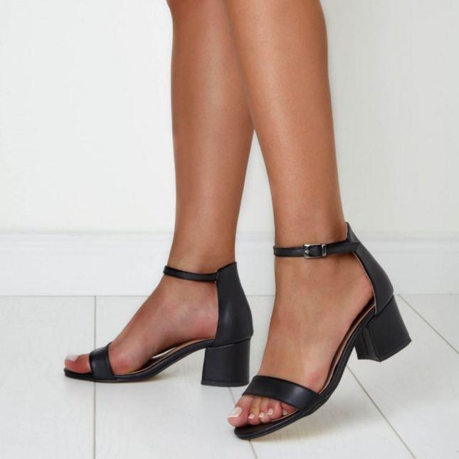 0003515_ives-mat-deri-tek-bant-detayli-kisa-topuklu-ayakkabi-siyah