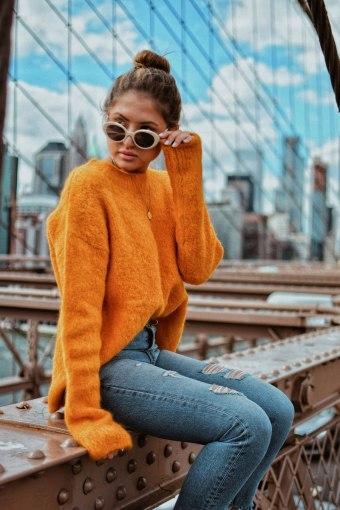 New-York-Fall-Style-Cozy-Orange-Sweater-on-the-Brooklyn-Bridge-4