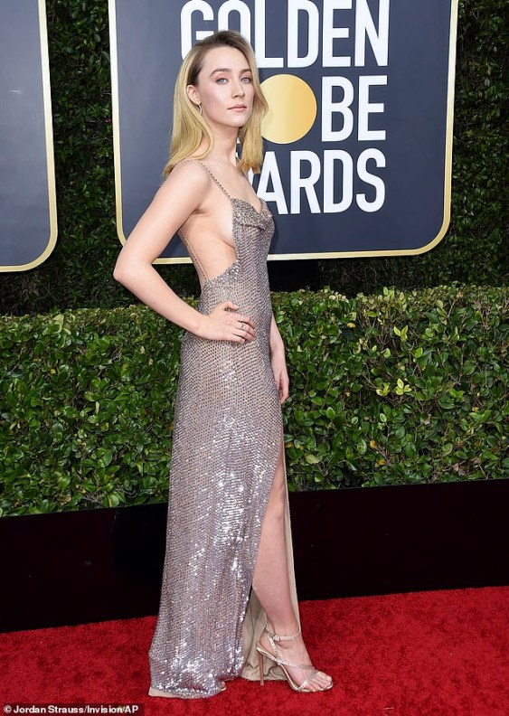 23032012-7855249-Golden_Globes_Saoirse_Ronan_put_on_a_revealing_display_as_she_sh-m-159_1578275493575