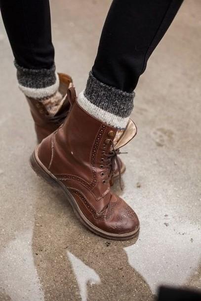 513efd-l-610x610-shoes-boots-brown-lace-socks-rock-oxfords-flats-brogue+shoes-cute-combat+boots-brown+boot-winter-brown+boots-brown+leather+boots-leather-vintage-clothes-combat-old-vintage+shoes-co