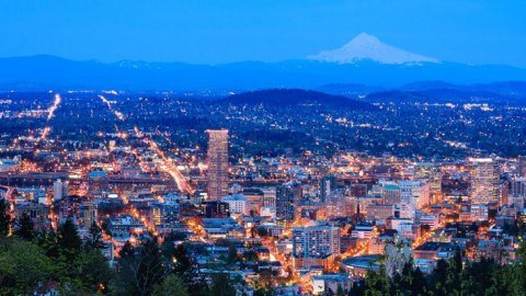img-portland-oregon-night