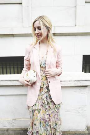 light-pink-blazer-couldnt-more-perfect-atop-ditsy-floral