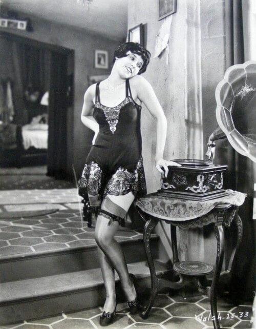 fifi-dorsay-1920s-lingeire